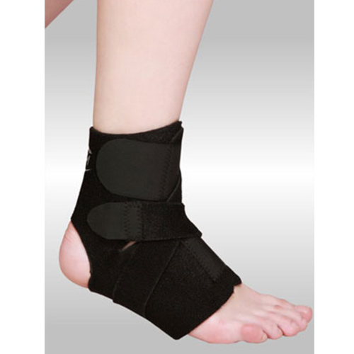 UM ANKLE BRACE WITH CRISS-CROSS STRAP (REFLEX SERIES)
